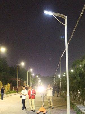 40w-flat-series-solar-street-light--(3)